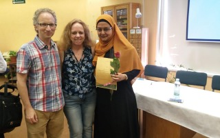 ברכות לתלמידתנו מרים מריד שקיבלה פרס על הצטיינותה בלימודי תעודת הוראה בערבית